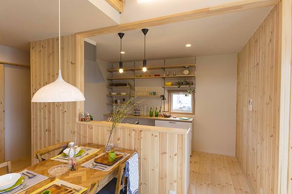 床、壁の内装材は快適性やメンテナンス性にこだわりたい