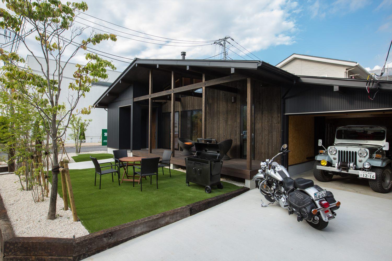 庭やガレージ、バルコニーは通常別途工事費として計上される