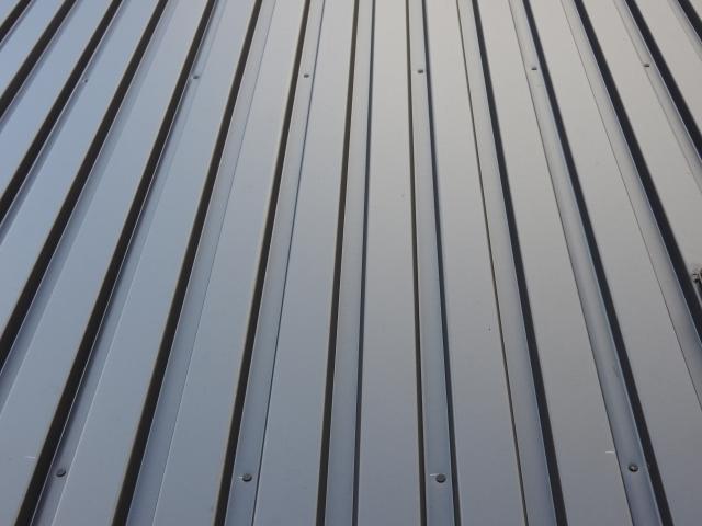 クール・シャープな印象のガルバリウム鋼板